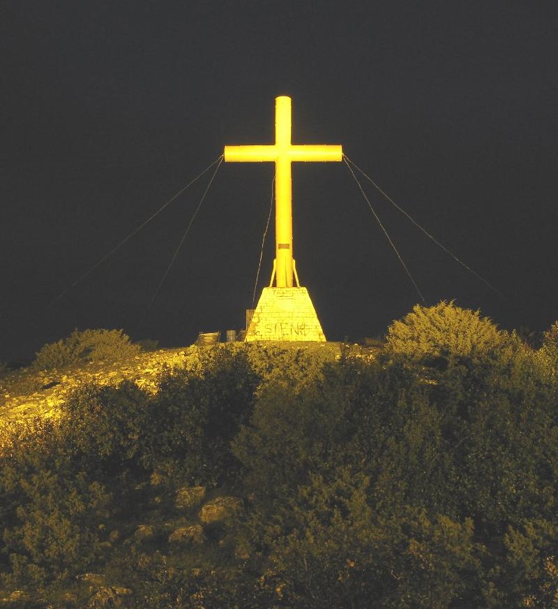 La croce nella notte